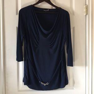 Laura plus navy blue top NWOT chain detail